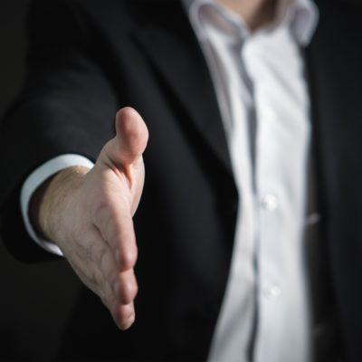 Een deal afsluiten.  5 vragen die de verkoper moet stellen!